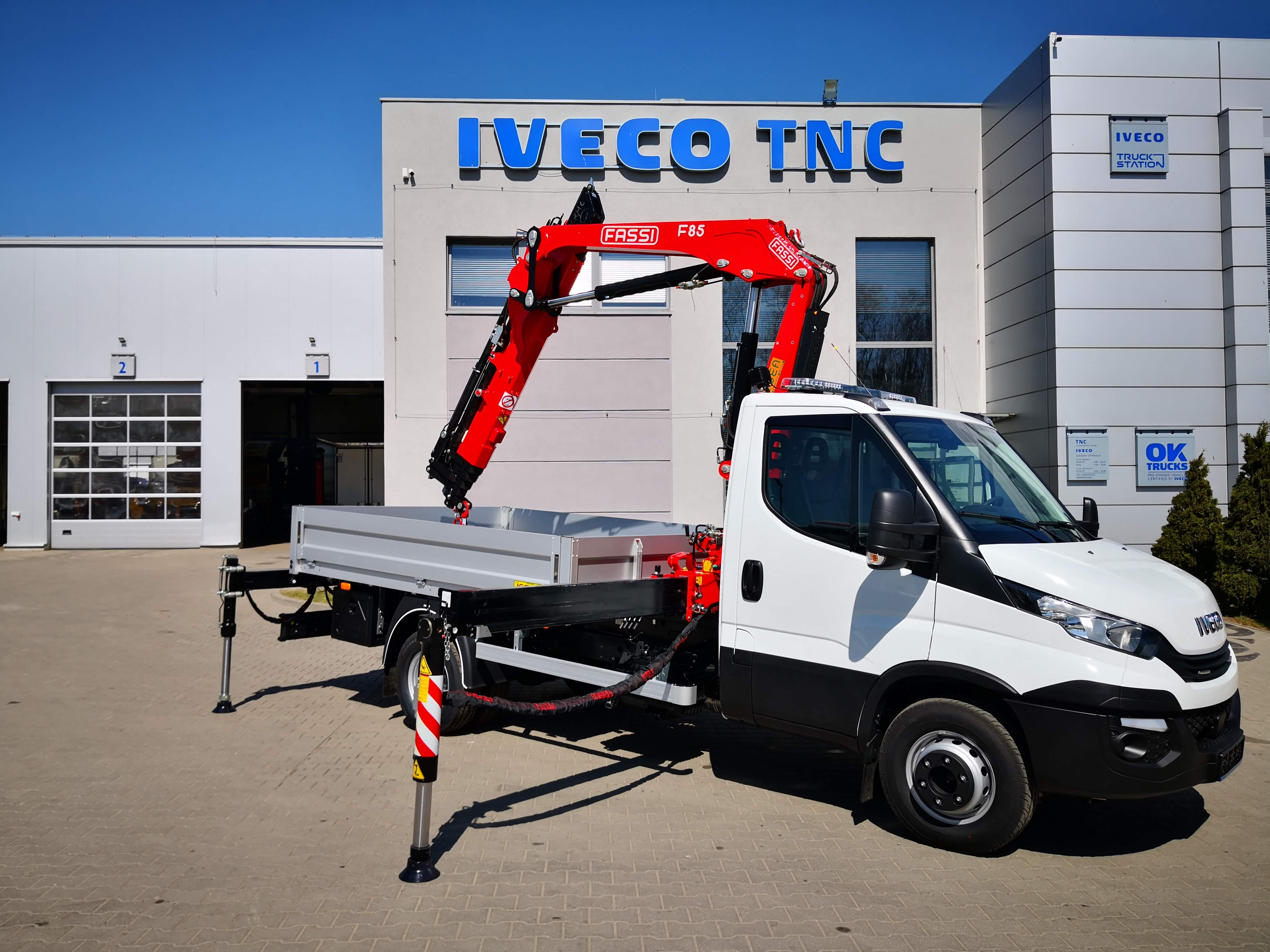 żuraw IVECO DAILY